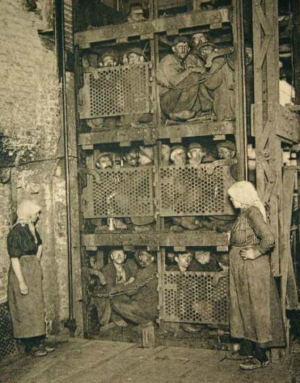 italian-coal-miners-working-in-belgium
